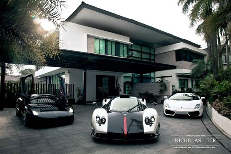 my house and cars picture