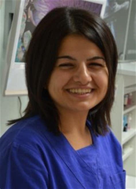 assistente alla poltrona cuneo dentista a cuneo studio dentistico sergio formentelli
