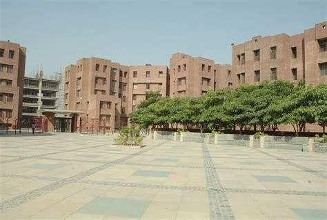 Amity Noida Mba Placements by Amity Institute Of Psychology Allied Sciences Aips