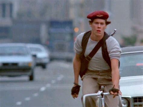 kevin bacon quicksilver en bici po septiembre 2006