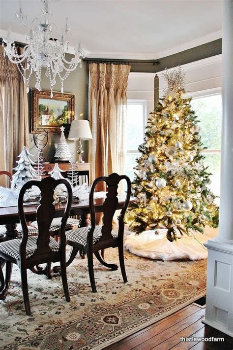 christmas dining room decorations 37 awesome christmas dining room d 233 cor ideas