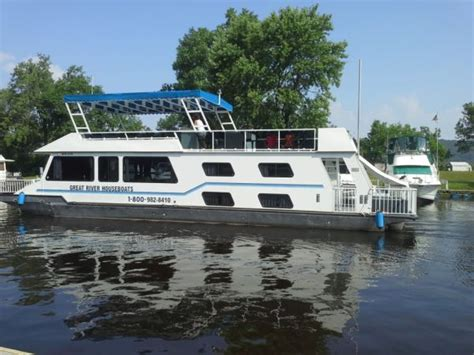 river house boats fun for rent renting houseboats on the mississippi houseboat magazine