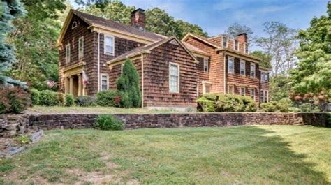 bruce springsteen house bruce springsteen s former nj farmhouse and rehearsal space asks 3 2m 6sqft
