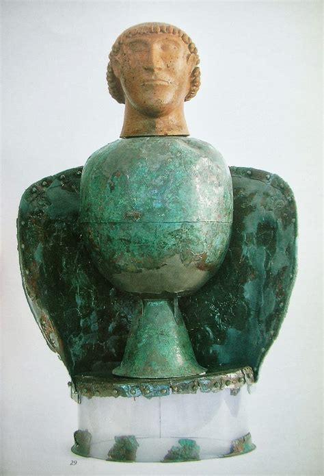 i vasi canopi di qua e di la i canopi di chiusi arte etrusca the