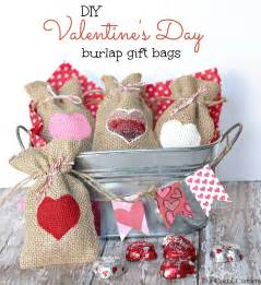 Diy valentine s day burlap gift bags inspiration diy