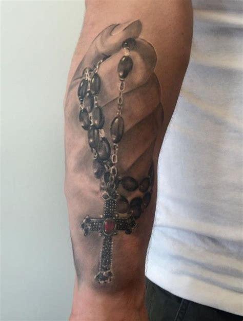 tattoo hand kreuz die besten 25 rosenkranz tattoos ideen auf pinterest