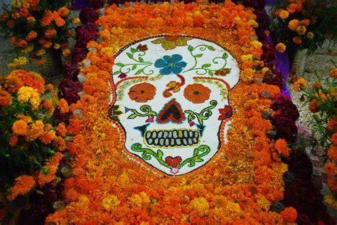 alfombras oaxaca dia de los muertos in oaxaca goes off with a bang