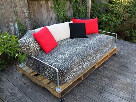 pallet furniture outdoor couch outdoor pallet furniture 2