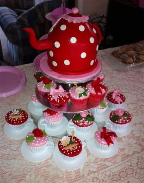 kitchen tea cake ideas 17 best images about bachelorettes and kitchen teas on