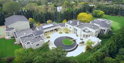 micheal jordan house in a world where michael jordan can t sell his house chicago tribune
