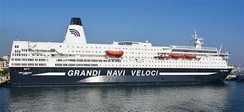 porto di genova partenze traghetti traghetti grandi navi veloci prenota con