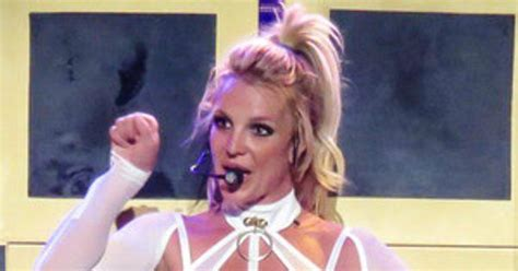 Britneys Opens Up by Opens Up About Why She S Nervous To Perform