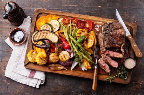 Backyard Bbq Meals How To Host A Backyard Bbq Gentleman S Gazette