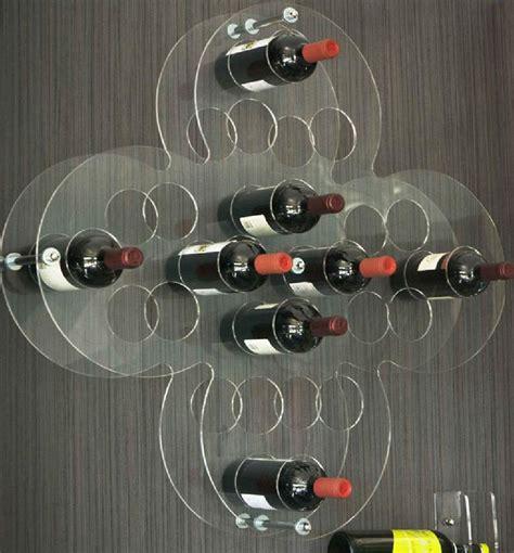 porta vini lavorazione e taglio plexiglass insegne a led luminose