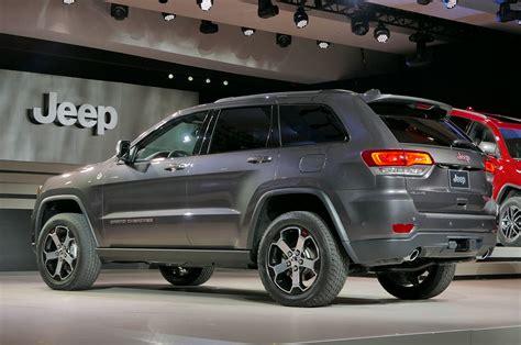jeep grand cherokee trailhawk 2017 jeep grand cherokee adds trailhawk updates summit