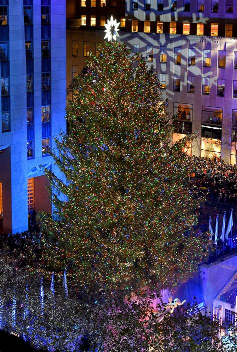 rockefeller center tree 2017 tree lighting history