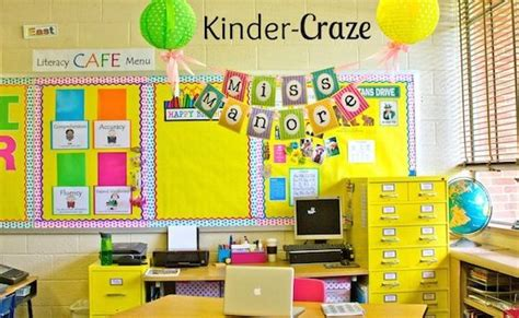 classroom layout names hang a banner with the teacher s name above the teacher