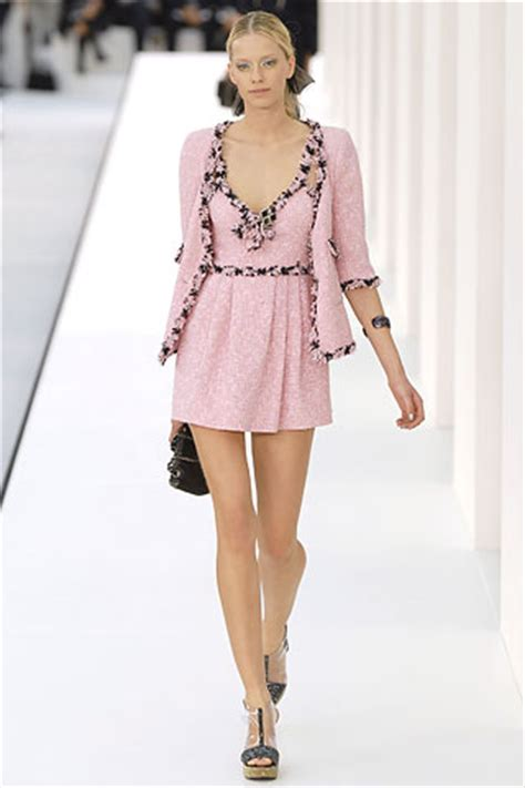 10 Ways To Become Runway Ready 7 Days by A Smarter Take On Pop Culture Day 6 Chanel