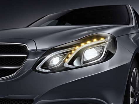 mercedes headlights mercedes cars news benz introduces active multibeam led