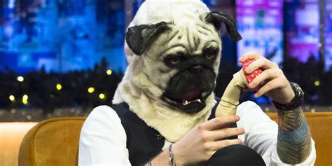 jonathan ross pug ed sheeran wears a pug mask on the jonathan ross show tonight and it looks hilarious