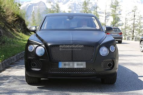 bentley suv inside bentley suv interior revealed in prototype s first