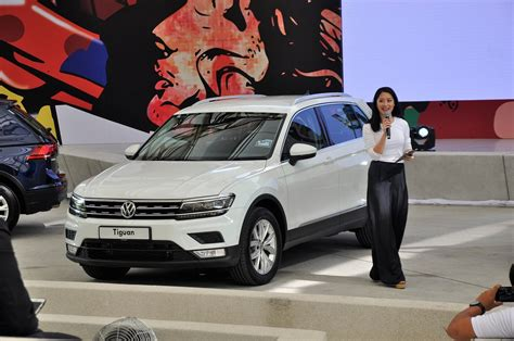 volkswagen malaysia volkswagen tiguan launched in malaysia 2 variants