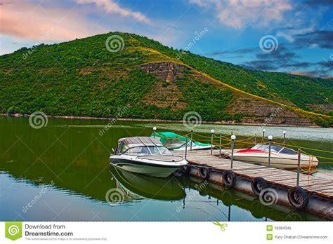 boat motors river motor boats on river