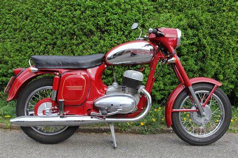 Oldtimer Motorrad Jawa 350 by Jawa 350 Typ 360 Panelka Motocykle Jawa