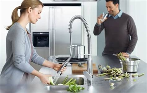 grohe k7 kitchen faucet grohe k7 cosmopolitan pullout kitchen faucet line best