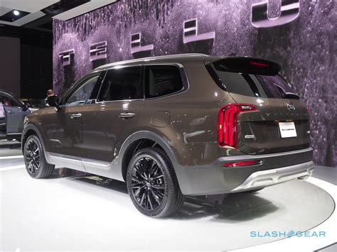 Kia New Suv 2020 by 2020 Kia Telluride Look Family Suv Meets Premium
