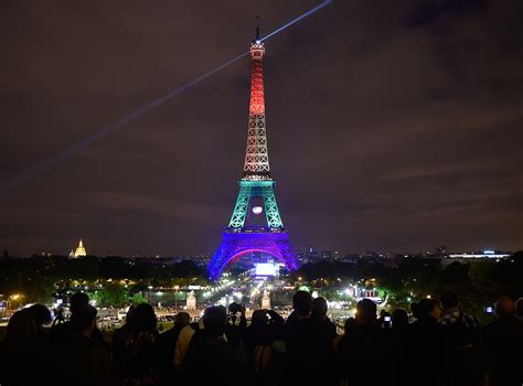 eiffel tower lights orlando shooting see the eiffel tower lit up for victims