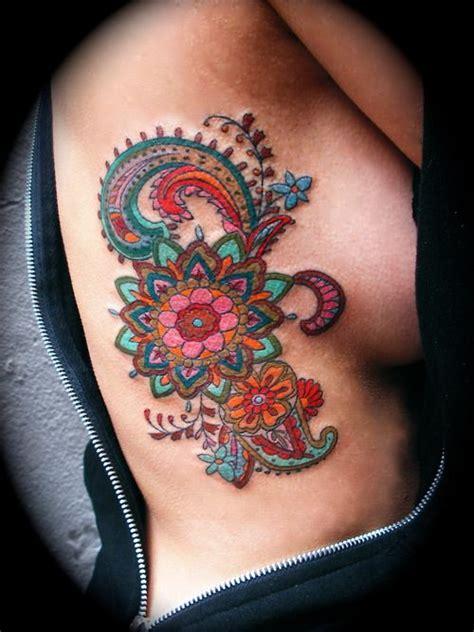 awesome henna paisley side tattoo pairodicetattoos com