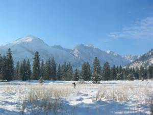 Cross country skiing in leavenworth photo courtesy of sleeping lady