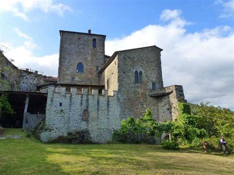 castel san comunita toscana il pellegrino castel san niccolo dei