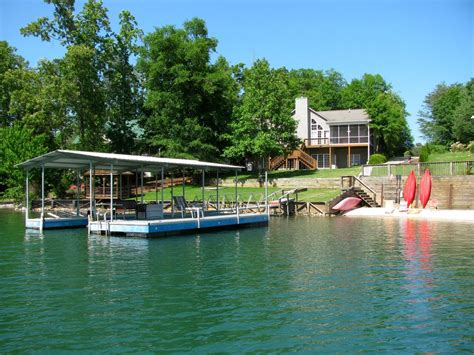 boat rentals lake keowee sc perfect lake keowee waterfront vacation home with boat and