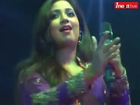 boat club in allahabad shreya ghoshal s scintillating performance at triveni