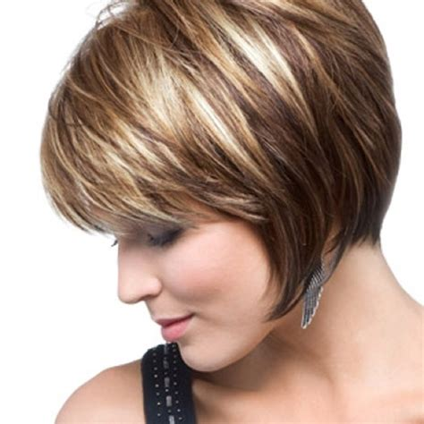 short layered bob with highlights and lowlights love the highlights and lowlights hair styles i like