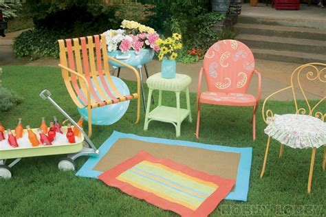 Spray Paint For Outdoor Furniture by Bring Outdated Patio Furniture Up To Date With A Fresh