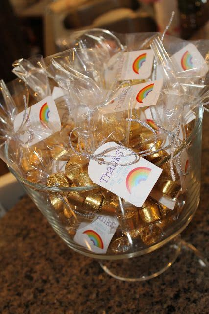 7 Treats For Guests by 1000 Ideas About Rainbow Favors On St