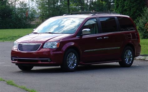 2012 chrysler town country in spite of everything you ve heard review