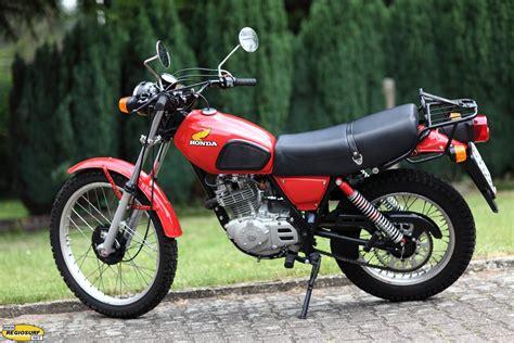 Yamaha Motorräder 70er by Portr 228 Ts Motorrad Fahrern Garagen Motorr 228 Dern