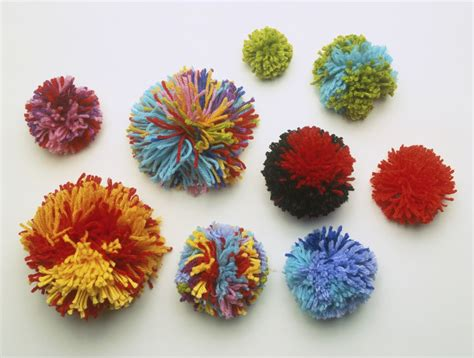 knit a pom pom how to make a pom pom for knitting projects