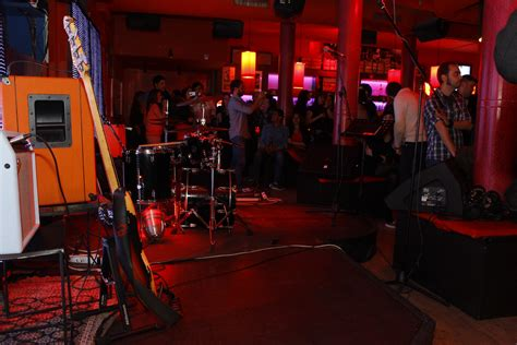top bars in madrid clubs in madrid the best bars pubs and dance venues in