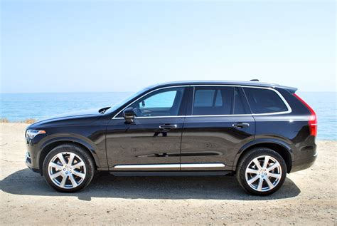 luxury midsize suv with most cargo space   Best Midsize SUV
