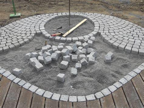 feuerstelle pflastersteine natursteinpflaster aus granit garten