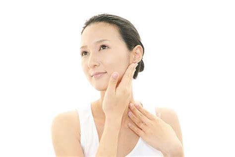 Krim Urut Wajah cara mengurut wajah supaya kulit lebih mudah menyerap