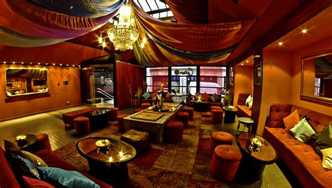 Contemporary Home Interiors by Carom Curry Club Gulletstuffers