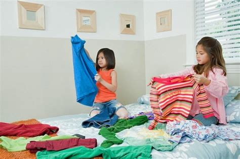 Make Moms Life A Little Easier This Mothers Day Folding Laundry