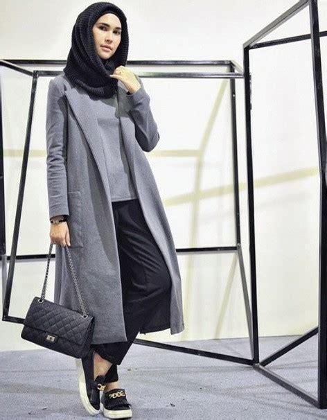 Cardigan Panjang Muslim 17 Trend Warna Baju 2017 Untuk Wanita Til Modis Dan Stylish