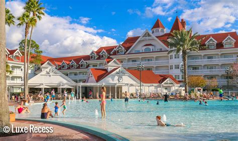 a guide to the deluxe disney world resorts travelingmom